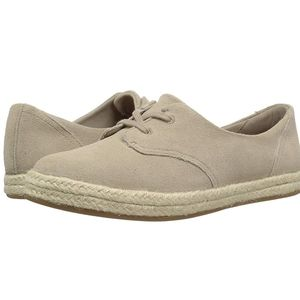 Clarks Sand Cushion Soft Azella Jazlynn Sneaker